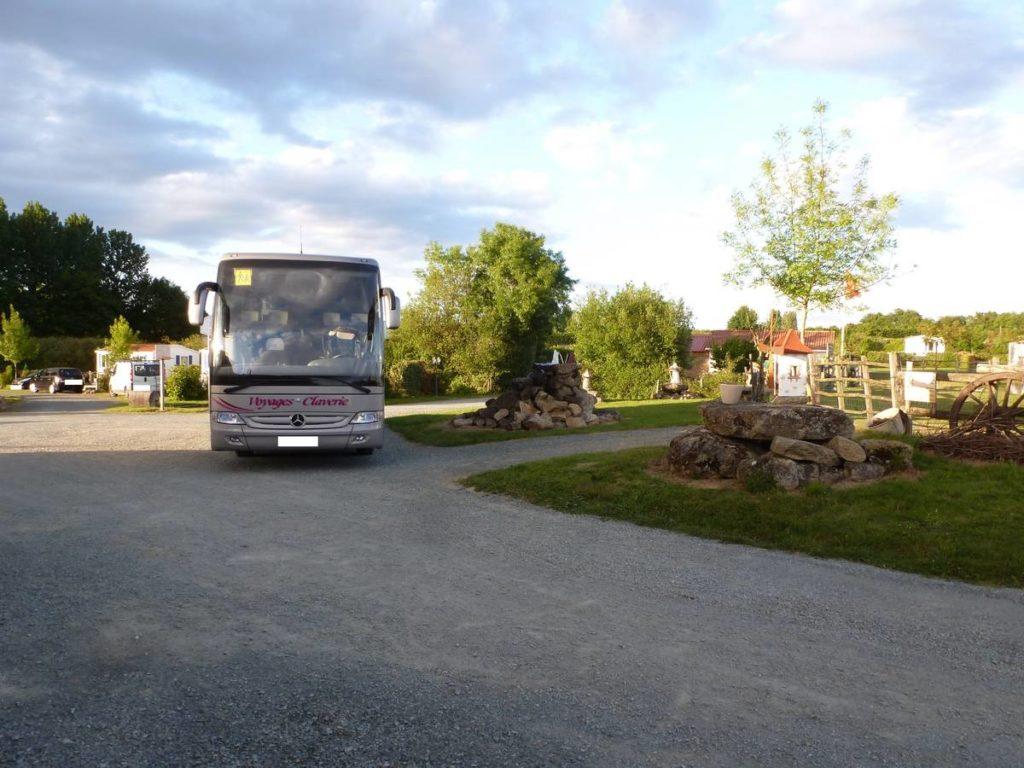 Le camping la Motte accueille votre groupe pour profiter du Puy du Fou