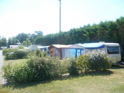 emplacement tente et caravane au camping