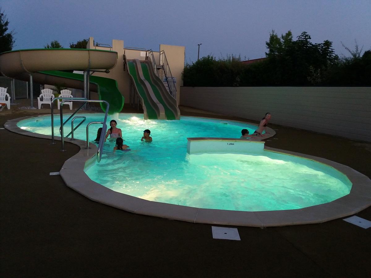 Camping avec espace aquatique puy du fou vend e - Camping proche puy du fou avec piscine ...