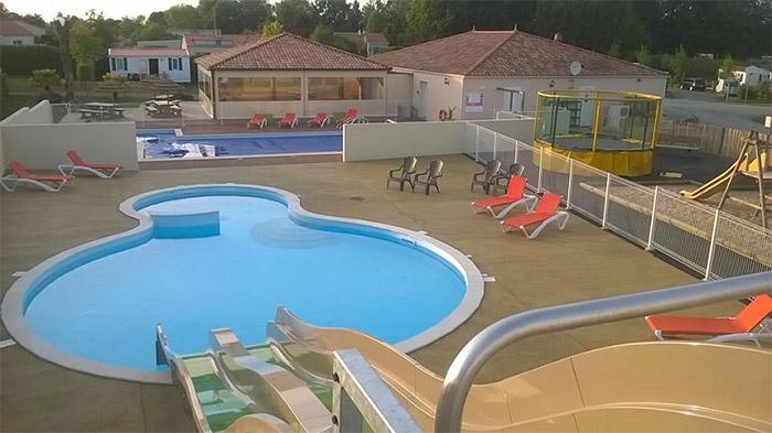 piscine en camping calme et familial en Vendée